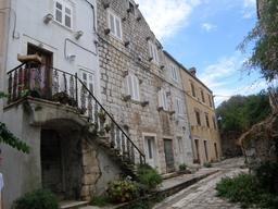 Ville fortifiée de Mali Ston en Croatie. Source : http://data.abuledu.org/URI/55610767-ville-fortifiee-de-mali-ston-en-croatie