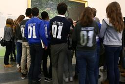 Visite scolaire de l'exposition Joie de Vivre à Lille. Source : http://data.abuledu.org/URI/585ff87e-visite-scolaire-de-l-exposition-joie-de-vivre-a-lille