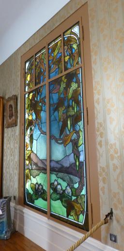 Vitrail au musée de l'école de Nancy. Source : http://data.abuledu.org/URI/5818f2b5-vitrail-au-musee-de-l-ecole-de-nancy