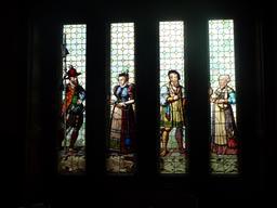 Vitrail civil dans le château de Bojnice. Source : http://data.abuledu.org/URI/54788715-vitrail-civil-dans-le-chateau-de-bojnice