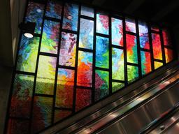 Vitrail de la station Charlevoix à Montréal. Source : http://data.abuledu.org/URI/597824a7-vitrail-de-la-station-charlevoix-a-montreal