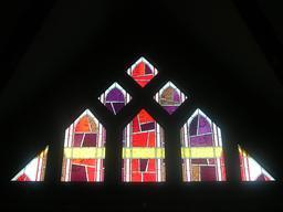 Vitrail moderne à Issy-les-Moulineaux. Source : http://data.abuledu.org/URI/52da6624-vitrail-moderne-a-issy-les-moulineaux