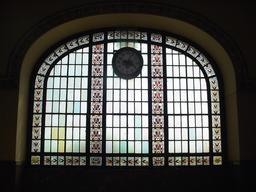Vitraux de la gare de Haydarpaşa à Istanbul. Source : http://data.abuledu.org/URI/54a851aa-vitraux-de-la-gare-de-haydarpa-a-a-istanbul