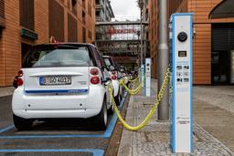Voitures électriques à Berlin. Source : http://data.abuledu.org/URI/530deac5-voitures-electriques-a-berlin