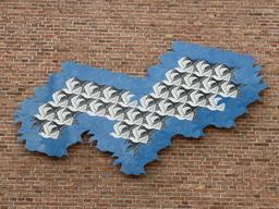 Vol d'oiseaux par Escher. Source : http://data.abuledu.org/URI/54b59248-vol-d-oiseaux-par-escher