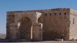Vue de la mosquée restaurée de Qasr al-Hallabat en Jordanie. Source : http://data.abuledu.org/URI/546bb604-vu-de-la-mosquee-restauree-de-qsar-al-hallabat