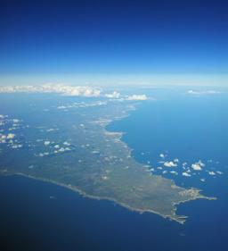 Vue aérienne d'Algarve au Portugal. Source : http://data.abuledu.org/URI/594a9020-vue-aerienne-d-algarve-au-portugal