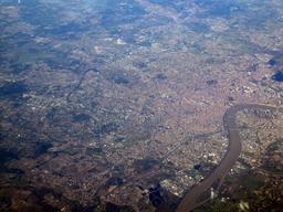 Vue aérienne de Bordeaux et de ses ponts. Source : http://data.abuledu.org/URI/54457e0e-vue-aerienne-de-bordeaux-et-de-ses-ponts