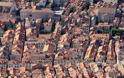 Vue aérienne de Dubrovnik. Source : http://data.abuledu.org/URI/59da8574-vue-aerienne-de-dubrovnik