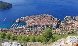 Vue aérienne du port de Dubrovnik. Source : http://data.abuledu.org/URI/59da85e9-vue-aerienne-du-port-de-dubrovnik