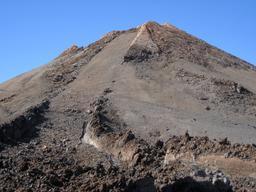 Vue d'une coulée de lave du Pico del Teide. Source : http://data.abuledu.org/URI/52d17c70-vue-d-une-coulee-de-lave-du-pico-del-teide