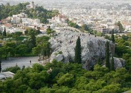 Vue de l'Aréopage à Athènes. Source : http://data.abuledu.org/URI/505f24e4-vue-de-l-areopage-a-athenes