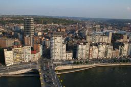 Vue de Liège depuis le pont Kennedy. Source : http://data.abuledu.org/URI/58d01b1b-vue-de-liege-depuis-le-pont-kennedy