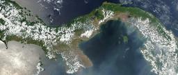 Vue satellite de l'isthme de Panama. Source : http://data.abuledu.org/URI/51bed451-vue-satellite-de-l-isthme-de-panama