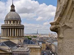 Vue sur le dôme du Panthéon. Source : http://data.abuledu.org/URI/53e231c6-vue-sur-le-dome-du-pantheon