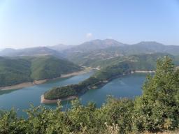 Vue sur le fleuve de la Drin en Albanie. Source : http://data.abuledu.org/URI/55615c3c-vue-sur-le-fleuve-de-la-drin-en-albanie