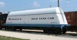 Wagon-citerne pour le transport du lait. Source : http://data.abuledu.org/URI/53610e65-wagon-citerne-pour-le-transport-du-lait