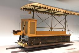 Wagon Daimler de 1887. Source : http://data.abuledu.org/URI/5288c10e-wagon-daimler-de-1887