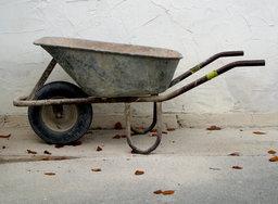 Brouette. Source : http://data.abuledu.org/URI/503bce64-wheelbarrow-brouette