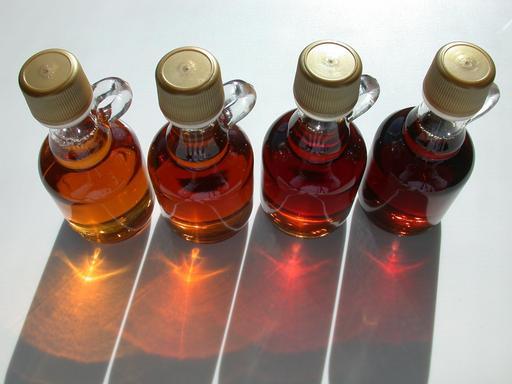 4 flacons de sirop d'érable