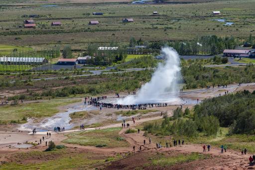 Aire géothermique de Geysir à Strokkur en Islande