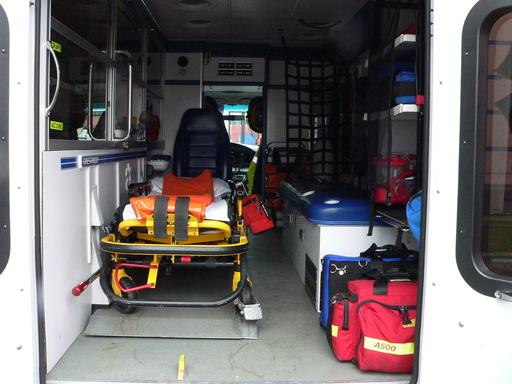 Aménagement intérieur d'une ambulance suisse