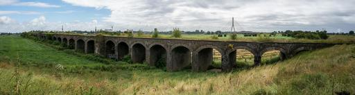 Ancien pont en briques
