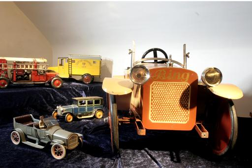 Anciennes voitures-jouets du musée de Freisheim