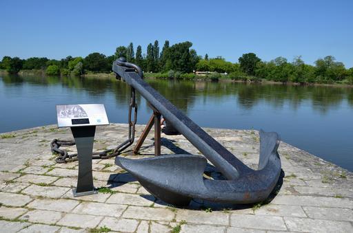 Ancre à Cosne-sur-Loire