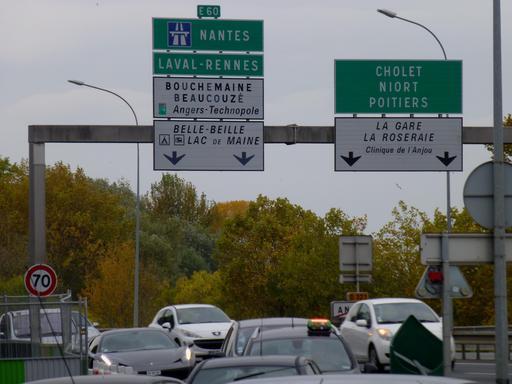 Angers, signalisation sur le périphérique