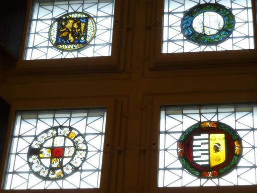 Angers, vitraux du Logis Barrault
