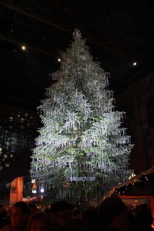 Arbre de Noël à la gare de Zürich