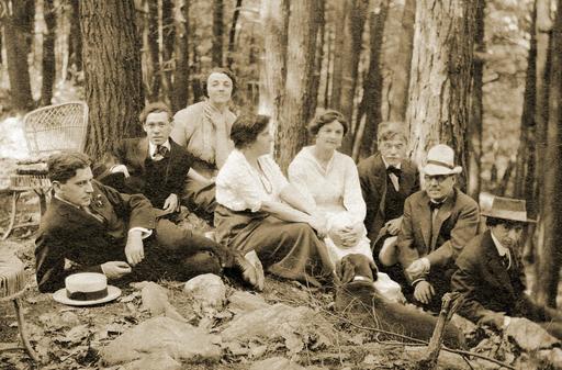 Artistes américains dans les bois de Mont Kisco en 1912