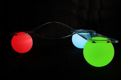 Banc sur boules lumineuses