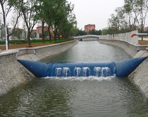 Barrage en structure gonflable