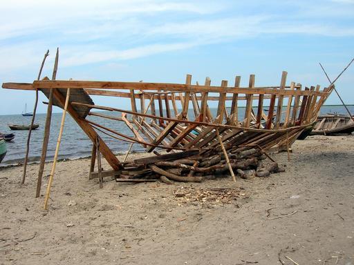 Bâteau de pêche en construction