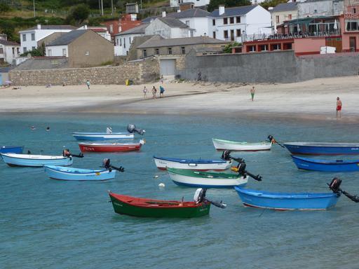 Bateaux de pêche à Ria del Barquero (Espagne)