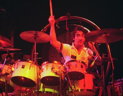 Batteur de rock en 1975