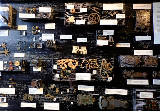 Bijoux mérovingiens au musée de Dijon
