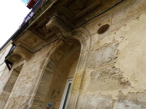 Balcon en pierre à Bordeaux-Belcier
