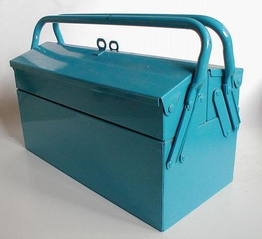 Boite à outils bleue