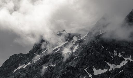 Brouillard sur l'Ortles en Italie