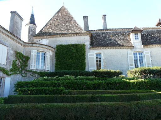 Buis dans un jardin de Dordogne