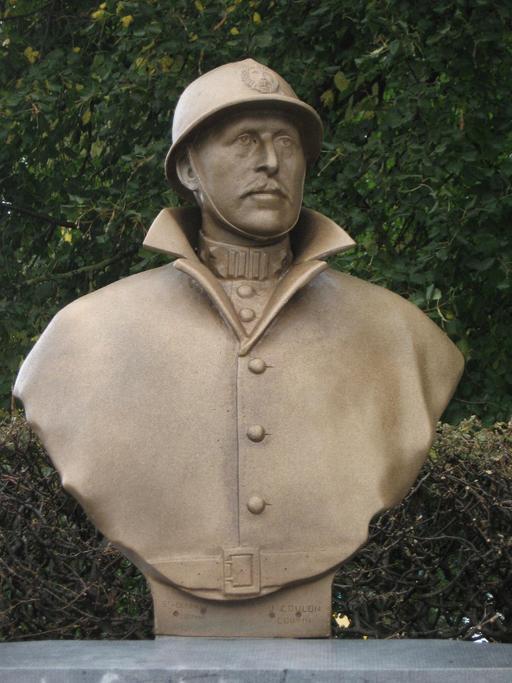 Buste d'Albert Ier de Belgique en casque