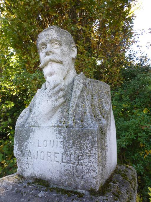 Buste de Majorelle dans le jardin du musée de l'école de Nancy