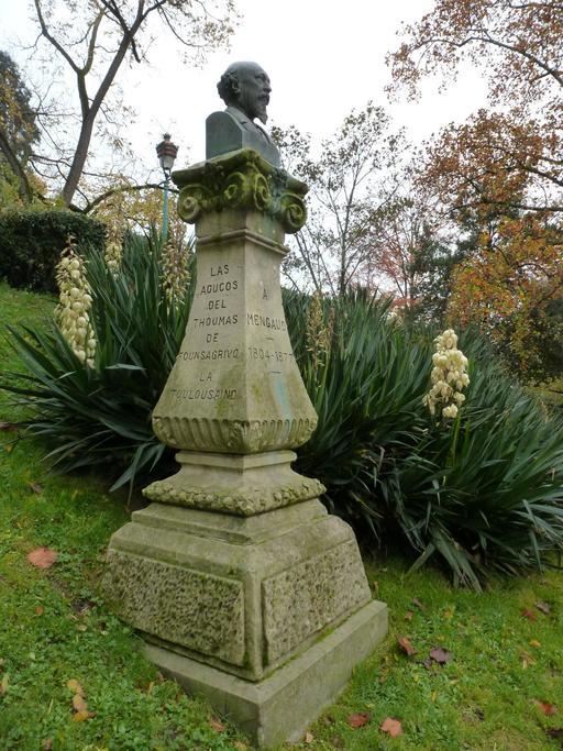 Buste de Mengaud au parc botanique de Toulouse