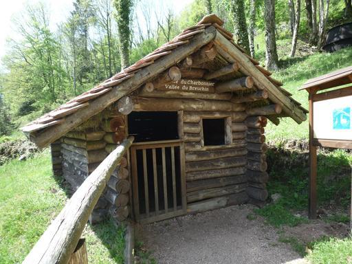 Cabane de charbonnier en Haute-Saône