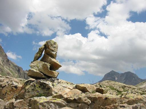 Cairn avec vue sur le Vignemale