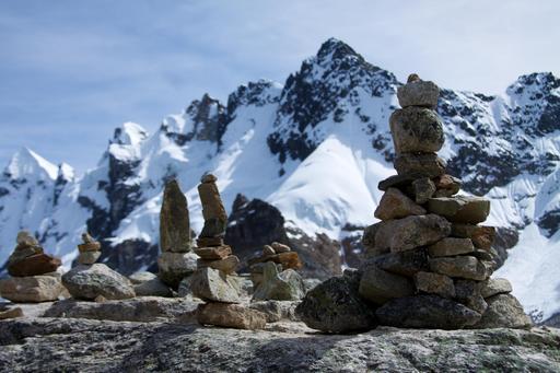 Cairns de pierre au Pérou