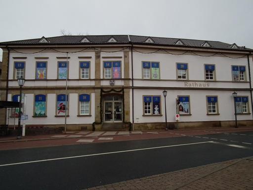 Calendrier de l'Avent sur une façade